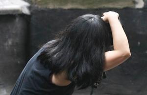 BeckerShoot_WithAlexa_Rooftop_201205109
